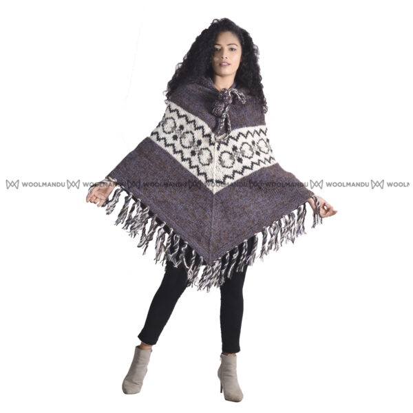 Mix White Woolen Knitted Poncho